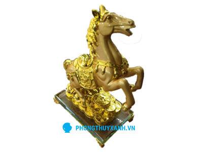 Ngựa mạ vàng 2