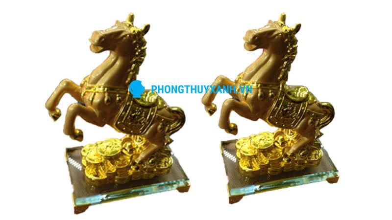 Ngựa phong thủy mạ vàng trung - loại đặt bàn