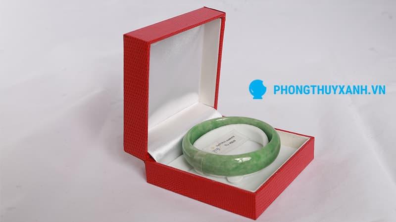 Hộp đóng gói chuyên dụng của vòng tay cẩm thạch